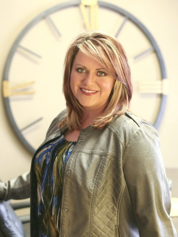Real Estate Solutions Agent Casey Watters